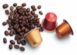 coffe pods whith coffee beans copertina