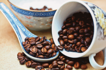 africa-coffee-in-the-cup-and-spoon