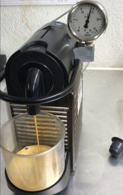 Manometer fixed on the Nespresso® machine